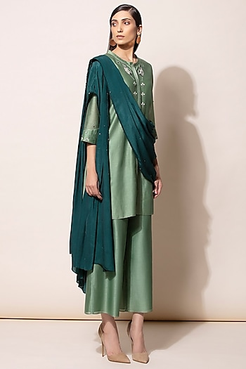 Dirty Green Embroidered Kurta Set by AM:PM