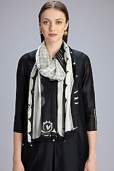 Black & Ivory Printed Scarf by AM:PM