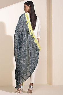 Ivory Tunic With Printed Dupatta by AM:PM