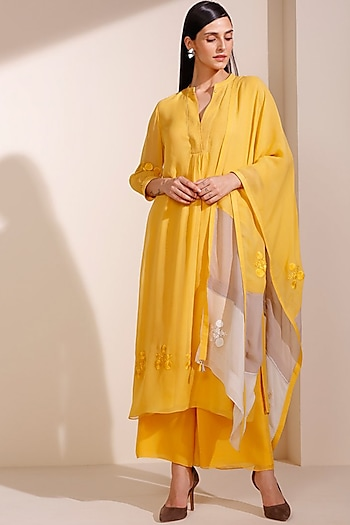 Mustard Floral Embroidered Kurta Set by AM:PM