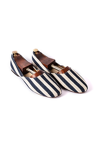 White & Blue Stripped Juttis by ARTIMEN