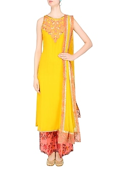 Mustard Yellow Resham Embroidered Kurta Set With Peach Floral Printed Palazzo Pants by Amrita Thakur