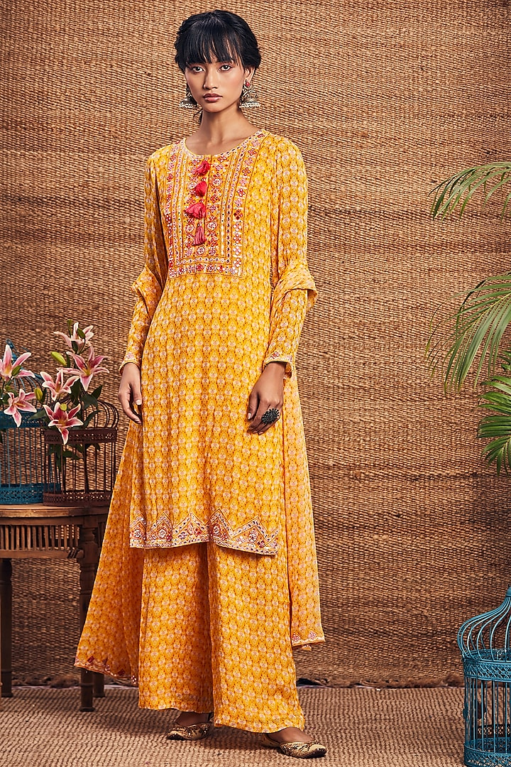 Yellow Printed Kurta Set by Aneesh Agarwaal