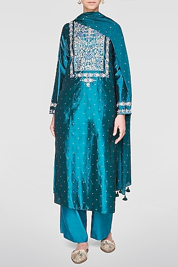 Green Embroidered Kurta Set by Anita Dongre