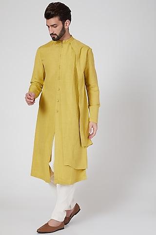 Yellow Asymmetric Draped Kurta by Antar Agni Men