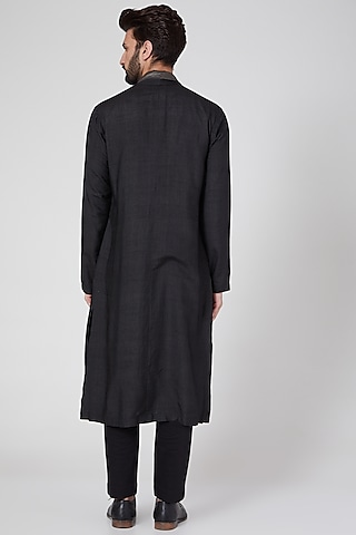Black Long Kurta With Attached Stole by Antar Agni Men