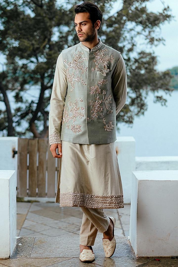 Sage Green Kurta Set With Floral Jaal Detailing by Anushree Reddy Men
