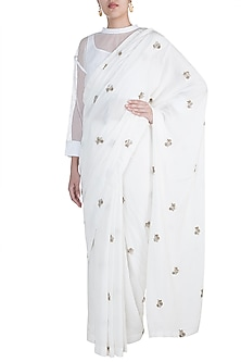 White Crushed Saree Set by Anamika Khanna