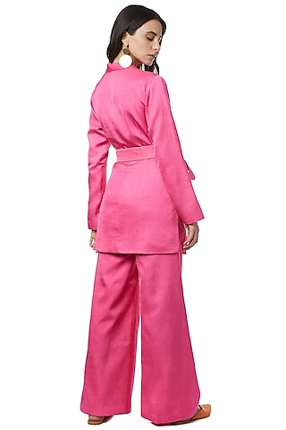 Fuchsia Blazer Set With Belt by Ankita