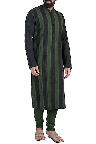 Mehendi Green Cutwork Kurta Set by Anuj Madaan