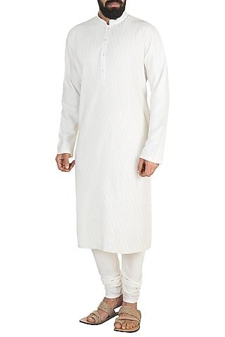 White Pintuck Kurta Set by Anuj Madaan
