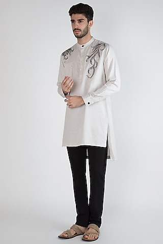 Grey Hand Painted Kurta With Pockets by Ananke