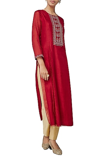 Red Korpad Embroidered Kurta by Anita Dongre