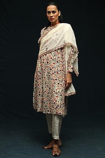 Ivory Embroidered Kurta Set by Anamika Khanna