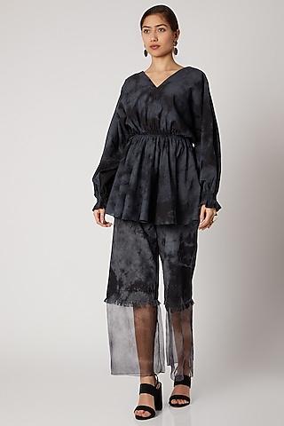 Black & Grey Tie-Dye Gathered Top by Aroka