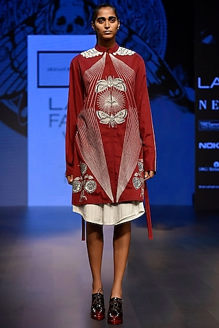 Maroon Embroidered Boxy Shirt Dress with A Belt by ARMAAN RANDHAWA