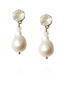 Gold finish kundan stone and pearl drop earrings by Art Karat