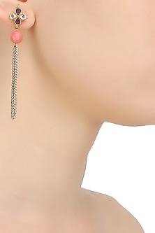 Gold finish kundan stone flower head earrings by Art Karat