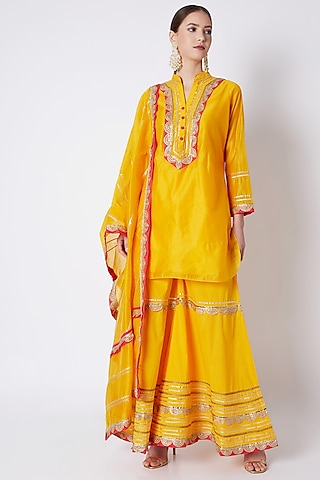 Yellow Embroidered Tunic Set by ASAL By Abu Sandeep