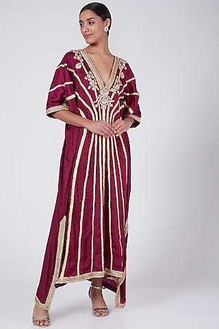 Maroon Embroidered High-Low Kaftan Dress by Ashna Vaswani & Riitu Shiivpuri