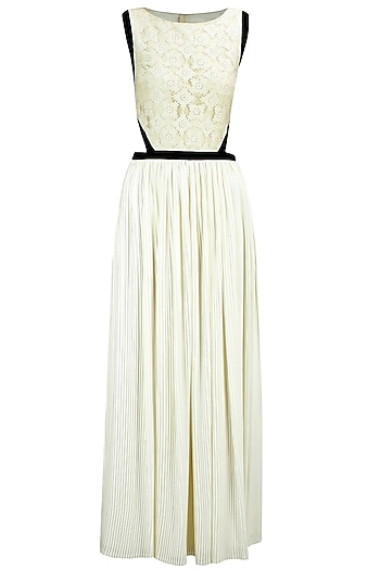 Off-white lace pleated long dress by Atsu