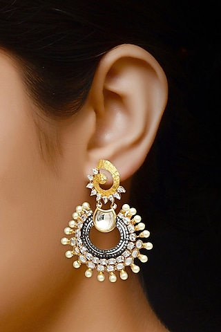 Gold Finish Dangler Earrings WIth Kundan by Auraa Trends