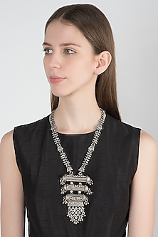 Oxidised Silver Finish Pendant Necklace by Auraa Trends