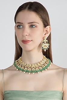 Gold Finish Kundan & Onyx Necklace Set by Auraa Trends