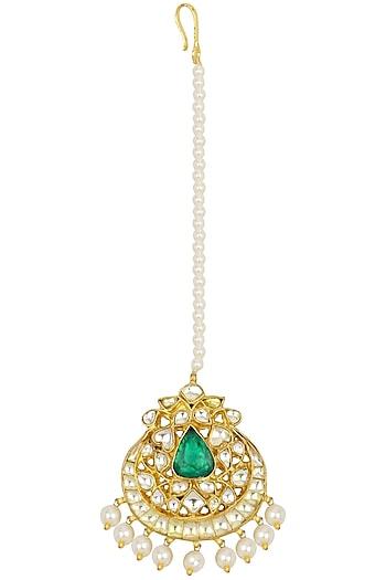 Kundan Green and Pearl Maangtika by Auraa Trends