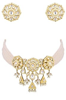 Gold plated white kundan and pearl bunch choker necklace set by AURAA TRENDS
