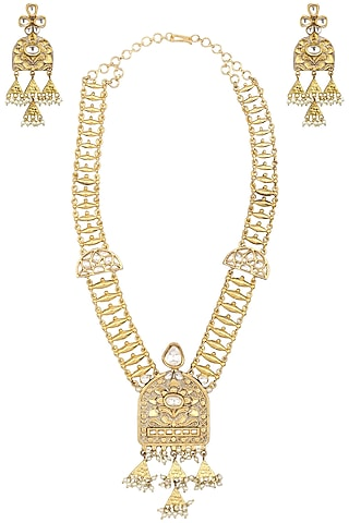 Gold Finish Kundan Textured Necklace Set by Auraa Trends