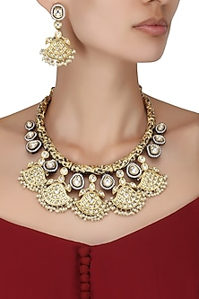 Antique Gold Finish Kundan Studded Hasli Necklace by Auraa Trends