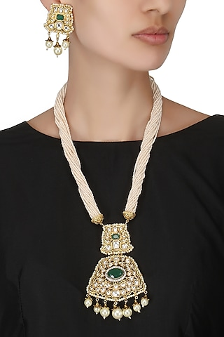 Antique Gold Finish Kundan and Pearl Pendant Set by Auraa Trends