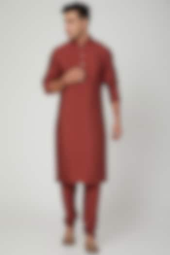 Maroon Kurta With Pants by Ankit V Kapoor