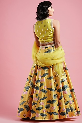 Yellow Printed Lehenga Set by Aayushi Maniar