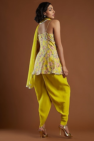 Yellow Embroidered Tunic Set by Aayushi Maniar