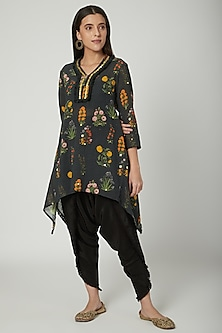 Black Embroidered Tunic With Dhoti by Ayinat By Taniya O'Connor