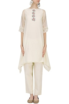 Off White Foral Tunic and Thread Work Pants Set by Baavli