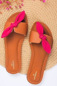 Tan Flat Sliders With Hot Pink Bow by Bombay Brown