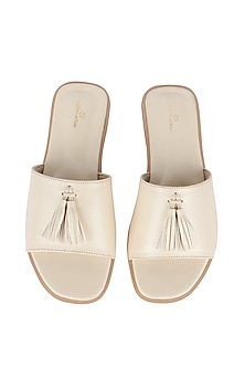 White Flat Sliders With Tassels by Bombay Brown