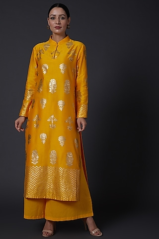Yellow Block Printed Kurta With Pants by Balance by Rohit Bal