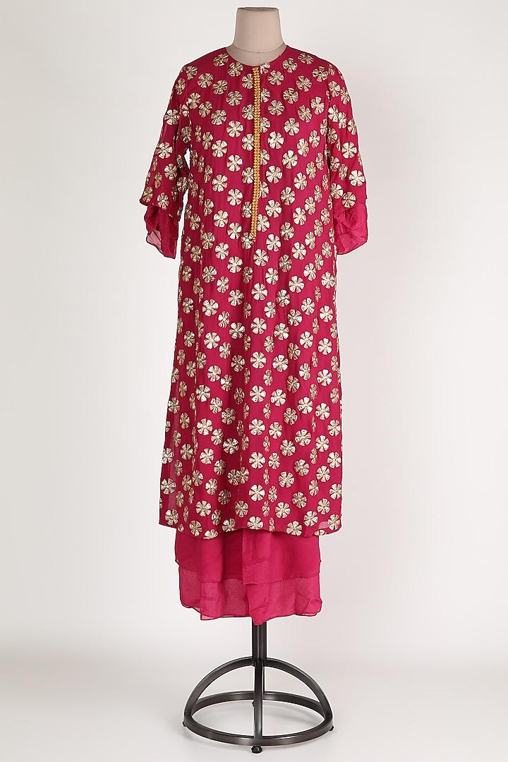 Rani Pink Embroidered Kurta Set by Abha Choudhary