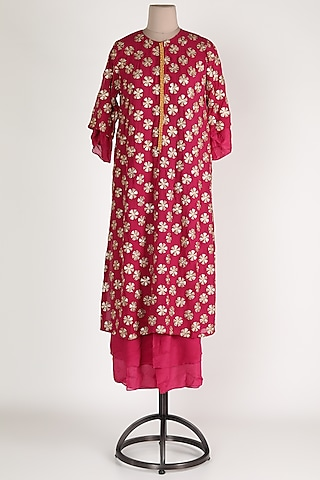 Rani Pink Embroidered Kurta Set by Abha Choudhary