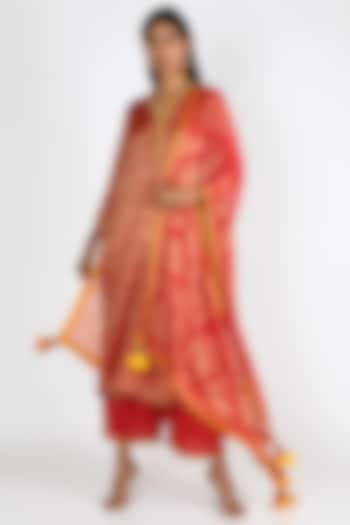 Red Embroidered Kurta Set by Abha Choudhary