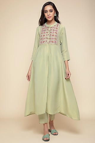 Elaichi Green Embroidered Kurta With Pants & Slip by Begum Pret