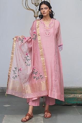 Prism Pink Machine Embroidered Kurta Set by Begum Pret