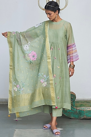 Mint Embroidered Kurta Set by Begum Pret