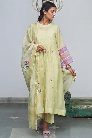 Mint Green Embroidered Kurta Set by Begum Pret