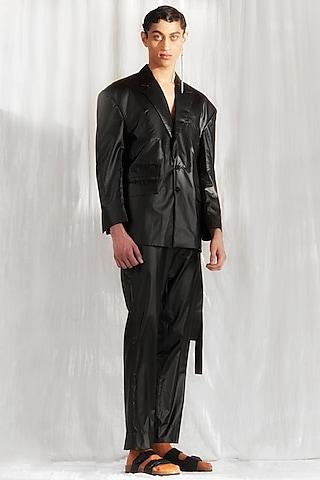 Black Extended Shoulder Jacket With Pants by BLONI MEN