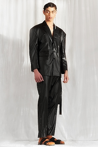 Black Jacket With Extended Shoulders by BLONI MEN